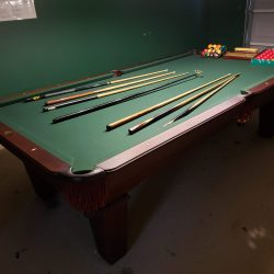 9 Ft Olhausen Pool Table