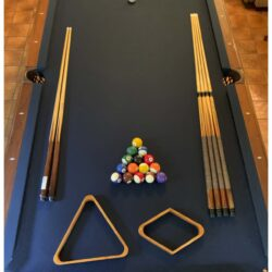8' Golden West Pool Table in Very Good Condition